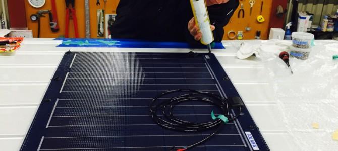 今年最初のソーラーパネル取付